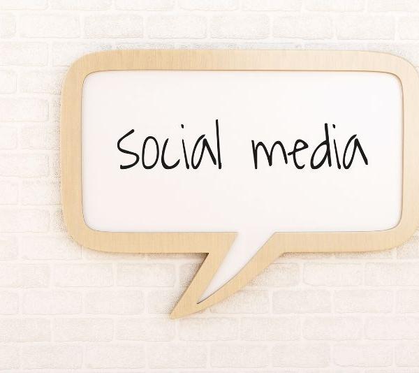 Κοινωνικά δίκτυα και ηλεκτρονικό εμπόριο