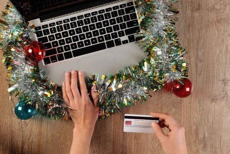 Online εορταστικές αγορές και κορονοϊός